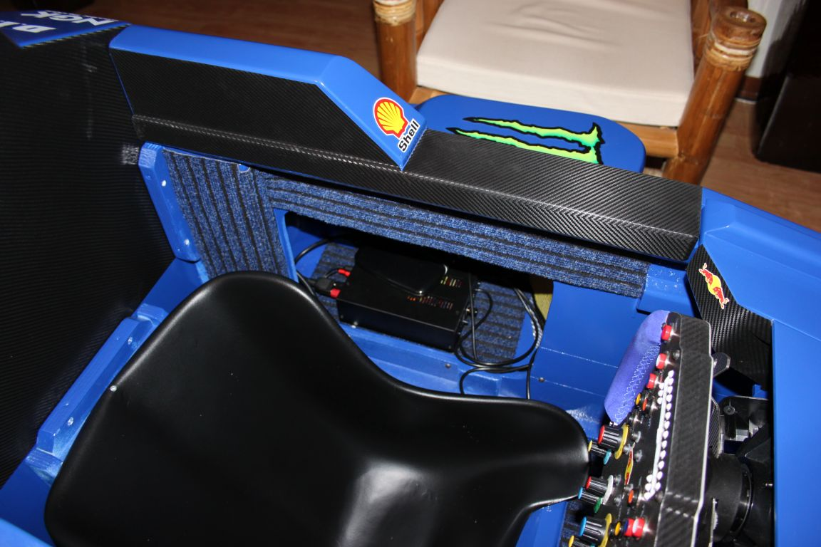 Amplificatore ButtKikker posizionato nella pancia sinistra