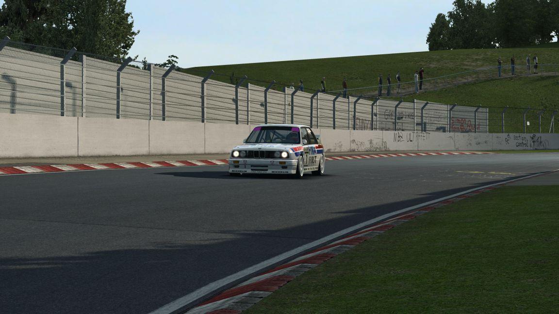 RaceRoom Experience