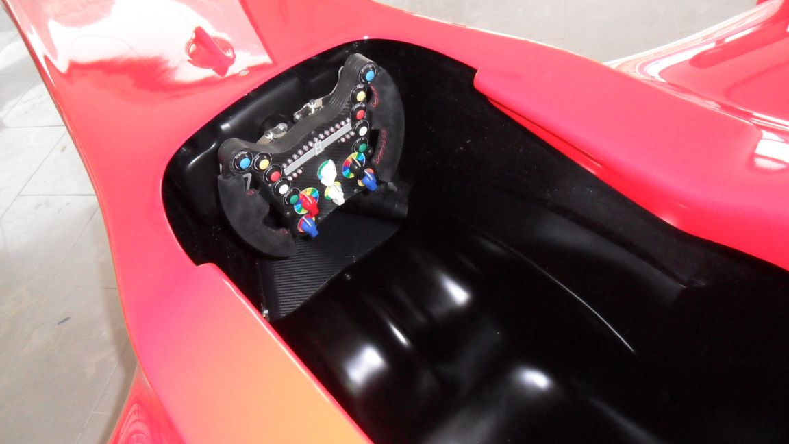 Nuovo DRS-Wheel 01 su nuovo cockpit F1 DRS-12 powered by D-BOX