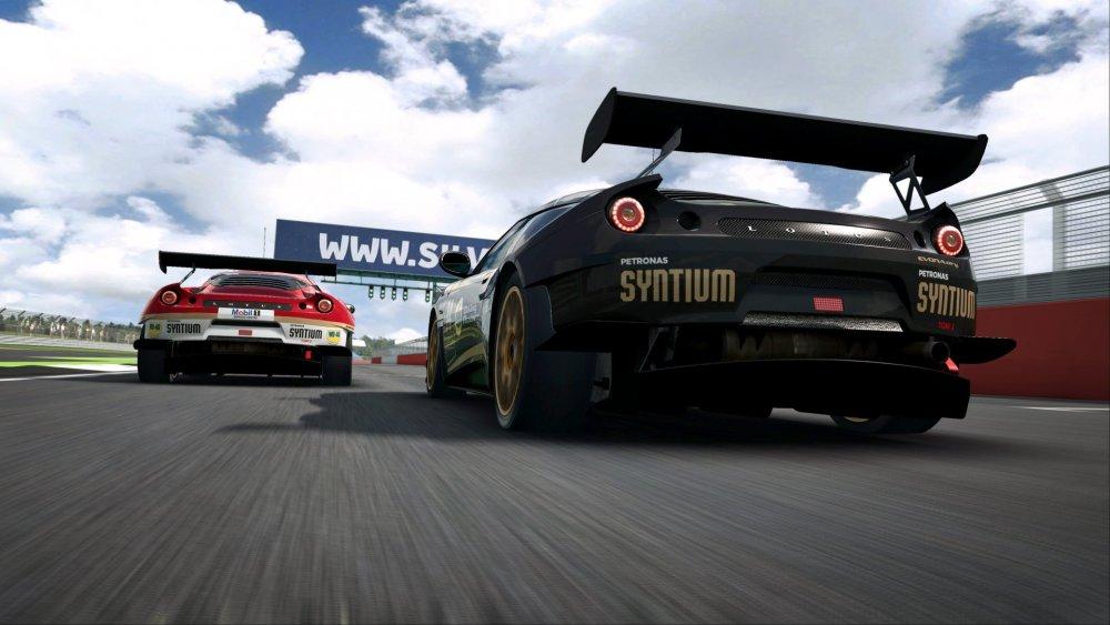 raceroom2.jpg