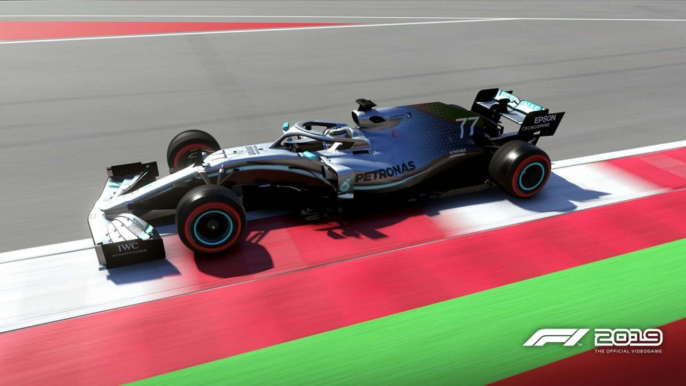 Mercedes_02.jpg