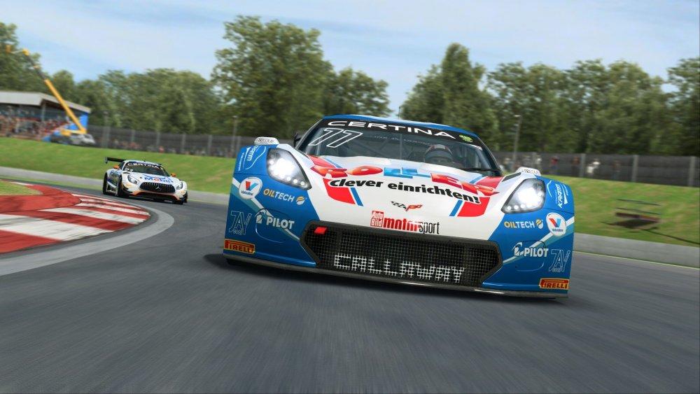raceroom-1.jpg
