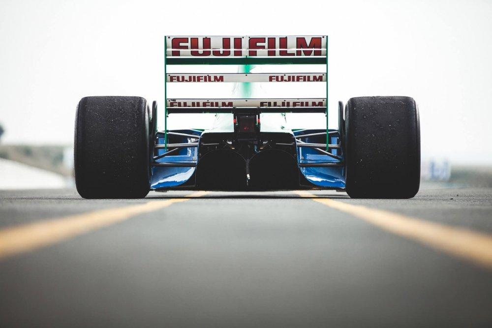 rear.thumb.jpg.9fb960d6ef8747c63fd3a77bcfa9013f.jpg