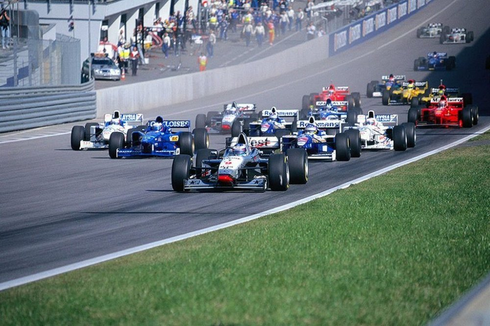 1997_austrian_grand_prix_start-1024x682.thumb.jpg.5bed268957d6f48f46da9968efaccaf8.jpg