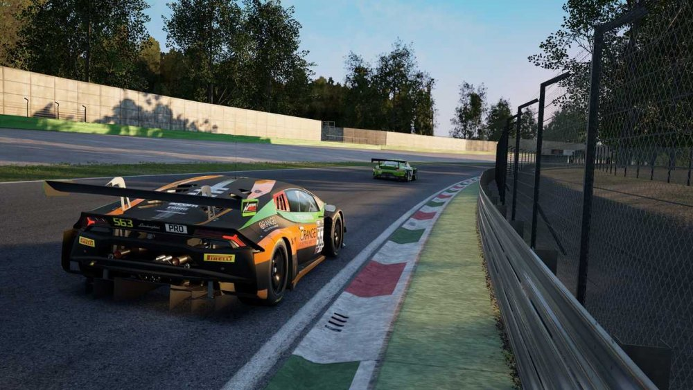 assetto-corsa-competizione-screenshot.thumb.jpg.0710ff57465af5112dbadd5c21c2a30b.jpg