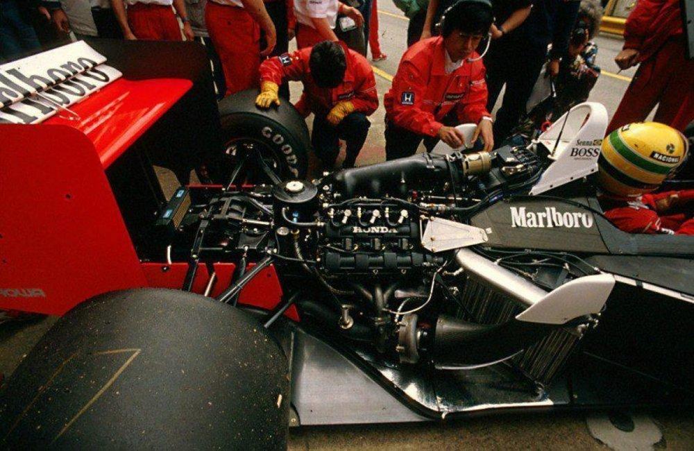 motore.thumb.jpg.7368e59d32eaa16251d2af3ed4b0545d.jpg