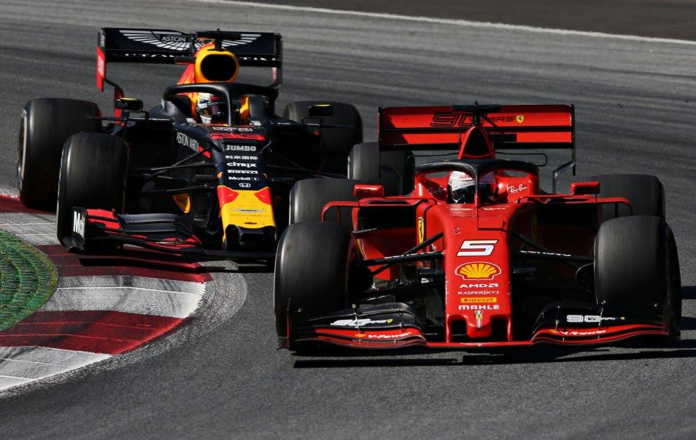 racing4.thumb.jpeg.ac1e70d6cf45d3a4be1e90f27e56f58f.jpeg
